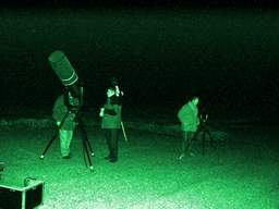 astronomers do it at night